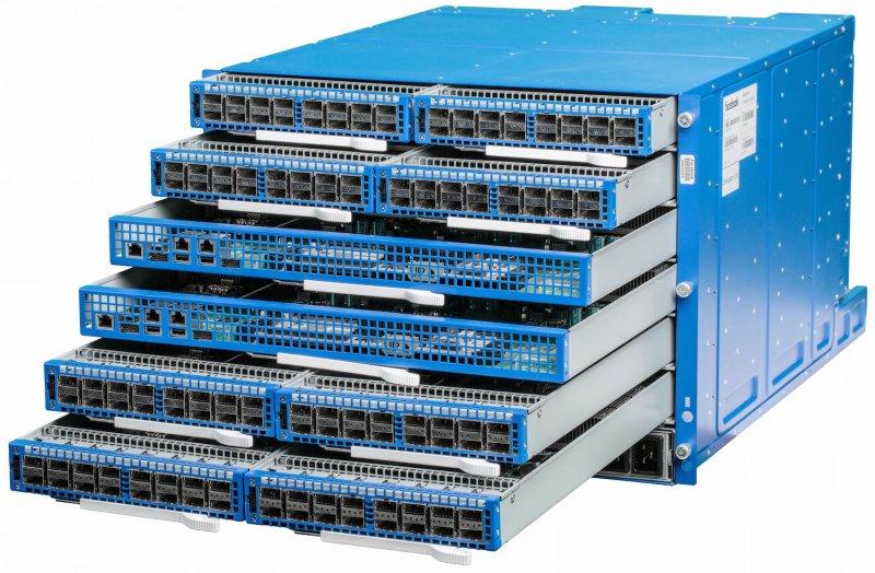 Facebook podría decirle adiós a Cisco con su six-pack
